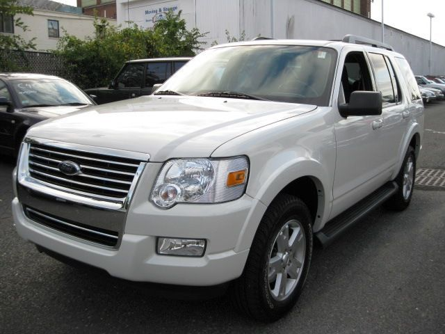 Car Guru Ford Explorer